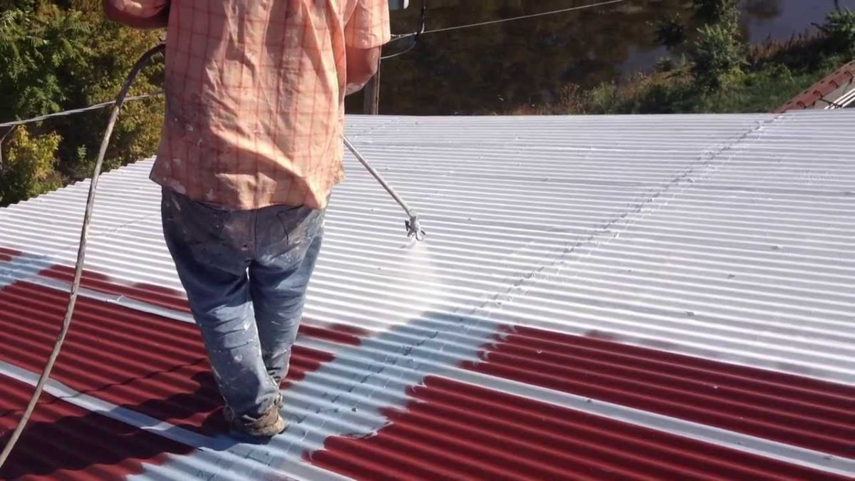 What Solutions to Waterproof a Metal Roof?
